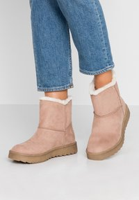 s.Oliver - Winter boots - rose - 0