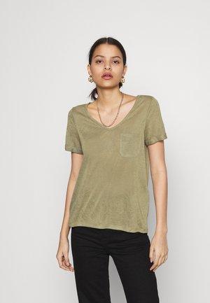 OBJTESSI SLUB V NECK - T-shirt basic - deep lichen green