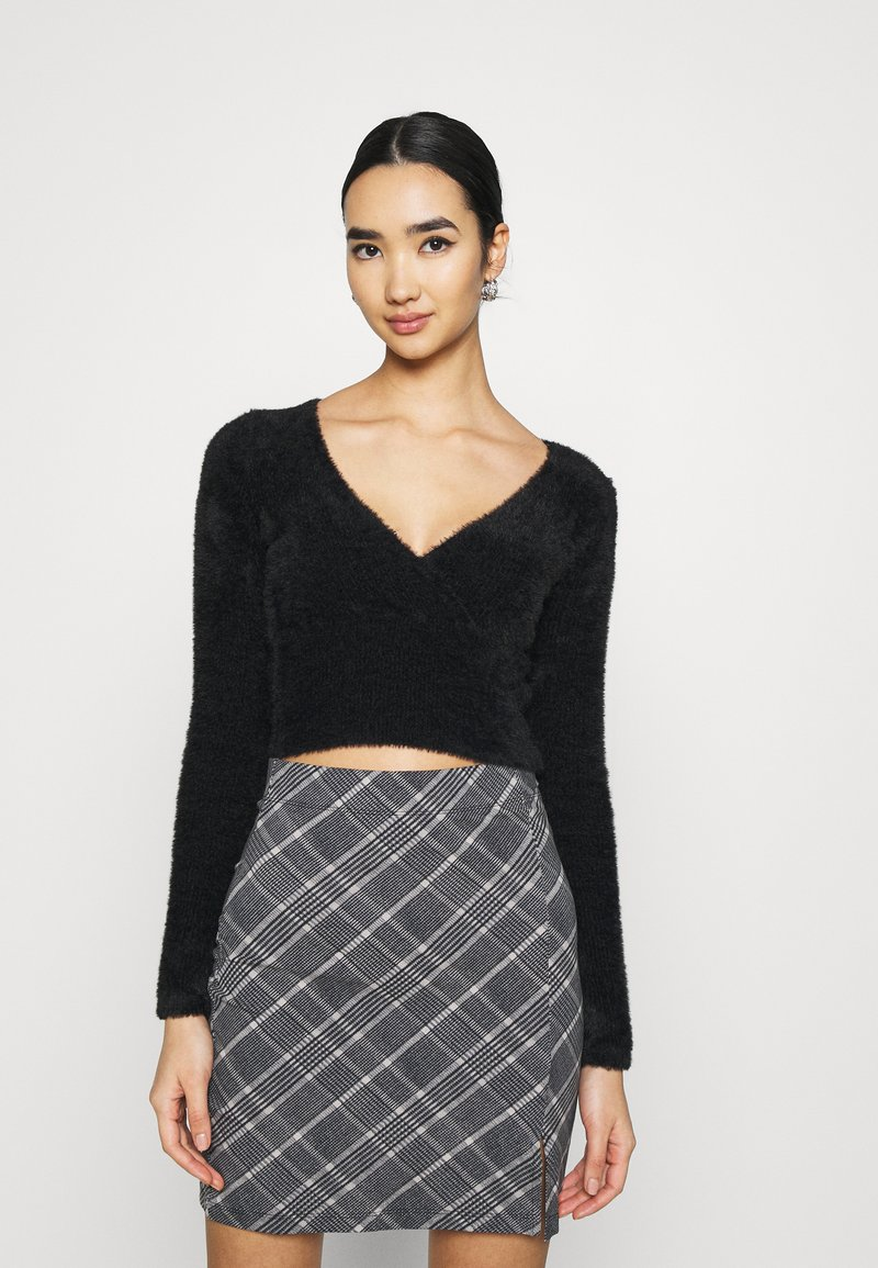 BDG Urban Outfitters - FLUFF BALET WRAP - Trui - black