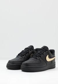 Nike Sportswear - AIR FORCE 1 '07 LV8  - Sneakers laag - black/white - 3
