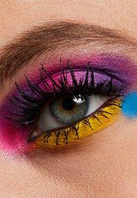 MAC - ART LIBRARY - Eyeshadow palette - it's designer - 8