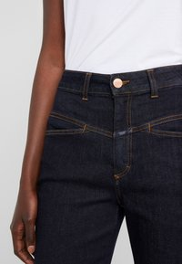 CLOSED - PEDAL PUSHER - Relaxed fit jeans - dark blue - 4