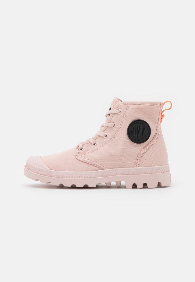 PAMPA HI - Botines con cordones - peach blush