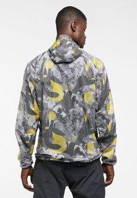 Haglöfs - L.I.M SHIELD COMP KURBITS HOOD - Light jacket - kurbits - 1