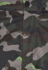 Volcom - HUNTER PANT - Snow pants - olive - 6