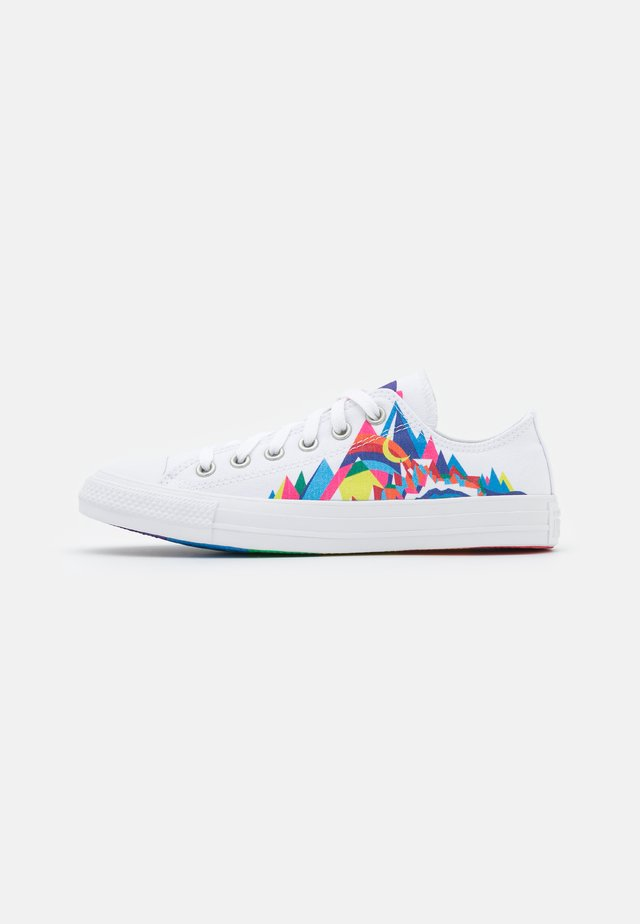 CHUCK TAYLOR ALL STAR PRIDE UNISEX - Sneakers laag - white/multicolor