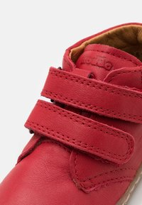 Froddo - KART UNISEX - Zapatos de bebé - red - 5