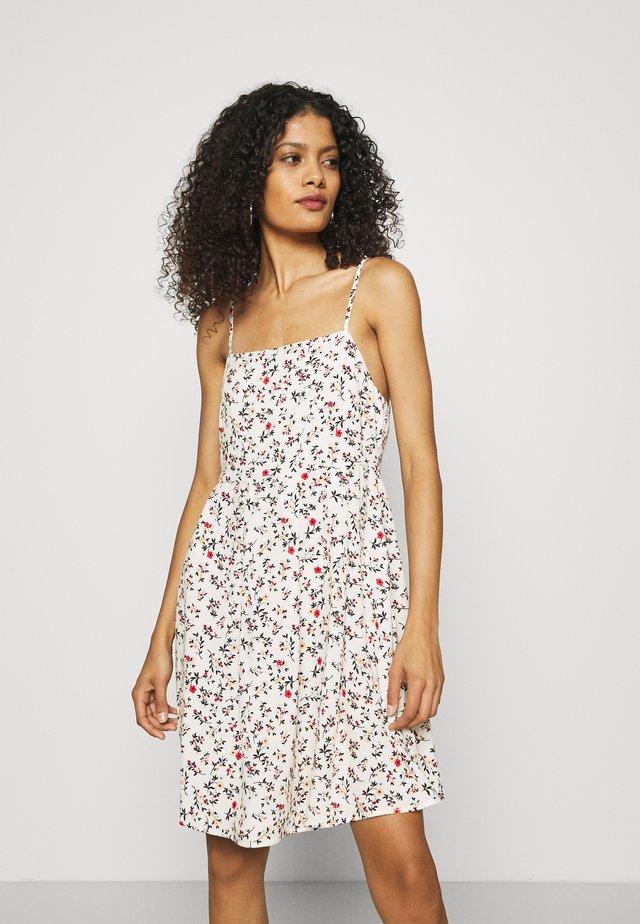 DAISY - Korte jurk - white