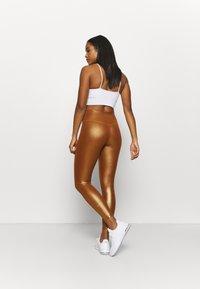 Nike Performance - ONE - Medias - gold/tawny/gold - 2