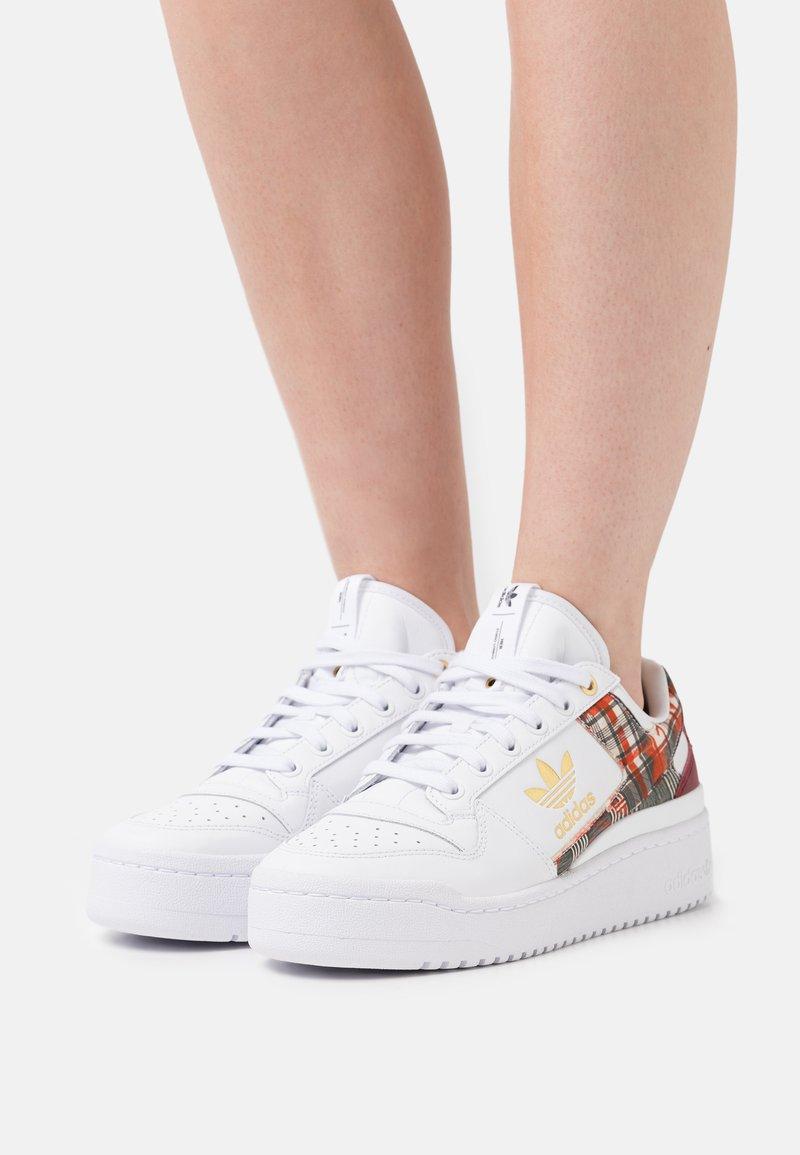 adidas Originals - FORUM BOLD  - Trainers - footwear white/matte gold