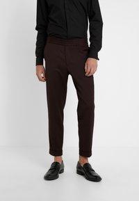 Filippa K - TERRY CROPPED PANTS - Trousers - deep shira - 0