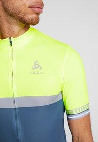 ODLO - STAND UP COLLAR FULL ZIP - Print T-shirt - safety yellow neon/bering sea - 5