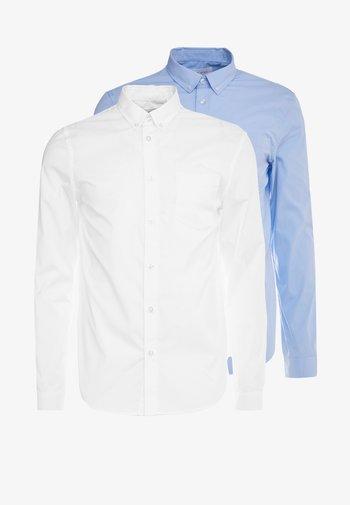 2 PACK - Kostymskjorta - white/light blue