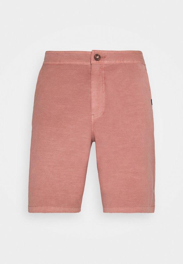 REGGIE BOARDWALK - Swimming shorts - washed red