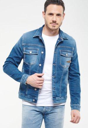MIT KNOPFLEISTE - Denim jacket - blue