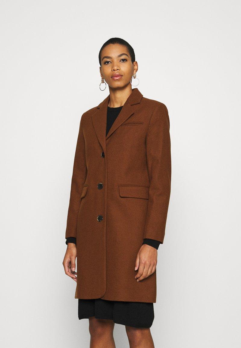 Selected Femme - SLFELINA - Short coat - dachshund