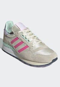 adidas Originals - Baskets basses - cream white/solar pink/clear pink - 1