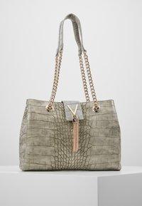 Valentino Bags - AUDREY - Sac à main - grigio - 1
