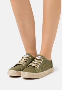 Kaporal - TORGATY - Zapatillas - kaki - 0