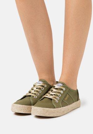 TORGATY - Zapatillas - kaki
