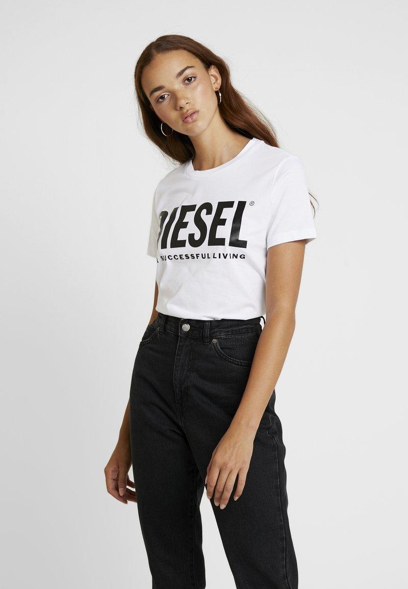 Diesel - T-SILY-WX MAGLIETTA - T-shirt con stampa - white