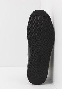 Timberland - NEWMARKET BOOT - Snörstövletter - black - 4