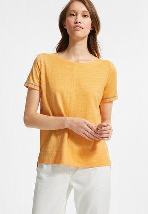 Basic T-shirt - mango sorbet