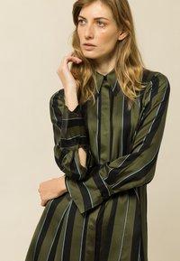 IVY & OAK - Day dress - dark olive - 3