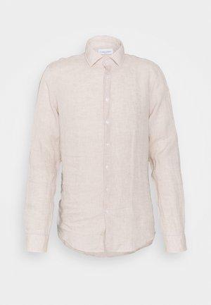 SOLID SLIM SHIRT - Formal shirt - bleached stone