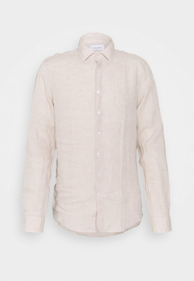 SOLID SLIM SHIRT - Formal shirt - bleached stone