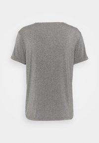 Curare Yogawear - MEN - T-shirt basic - anthrazit melange - 1