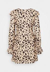 NA-KD - WRAPPED FRILL DRESS - Denní šaty - multi-coloured - 7