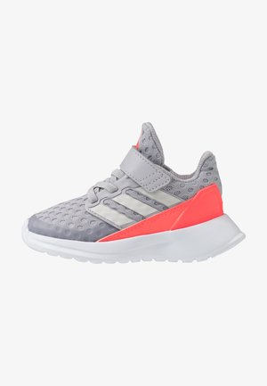 RAPIDARUN UNISEX - Neutral running shoes - glow grey/grey one/signal pink