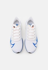 Nike Performance - AIR ZOOM PEGASUS 37 PRM - Neutral running shoes - white/game royal/gym red/sail - 3