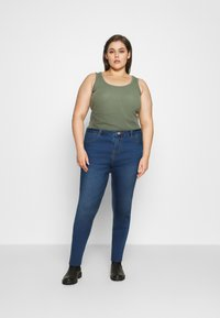 Missguided Plus - LAWLESS HIGHWAISTED SUPERSOFT - Jeans Skinny Fit - vintage blue - 1