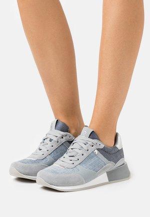 Zapatillas - jeans