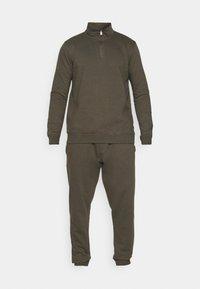 Burton Menswear London - REGULAR FIT ZIP AND JOGGER SET - Sweater - khaki - 7