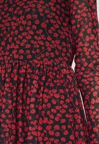 TOM TAILOR DENIM - PRINTED MESH DRESS - Vestido informal - black/red - 5