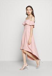 Chi Chi London Petite - WANDA DRESS - Sukienka koktajlowa - mink - 1