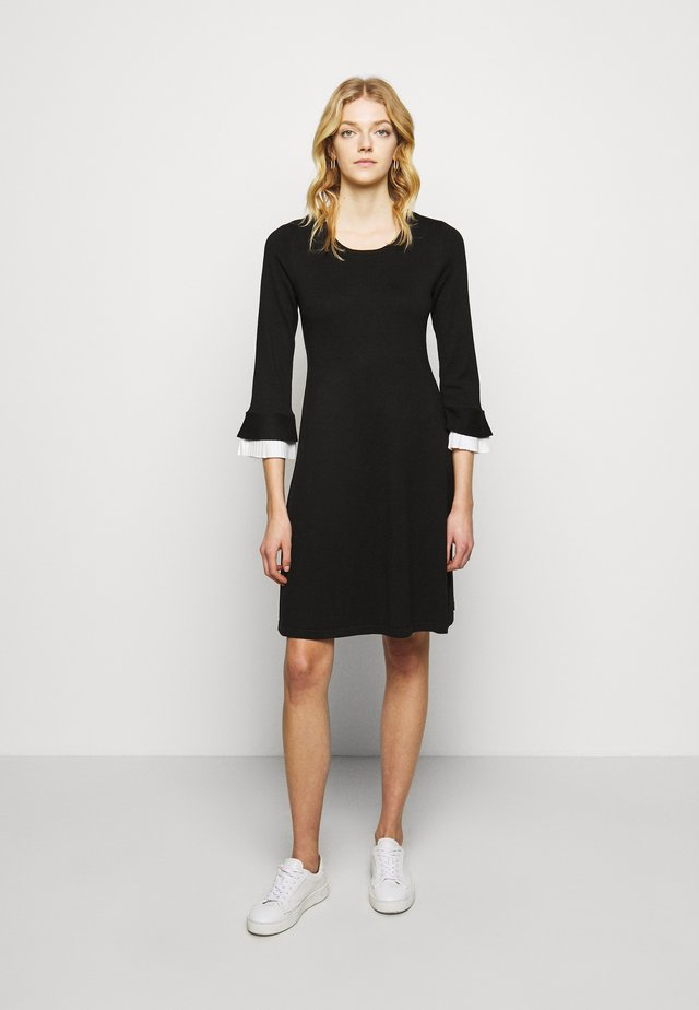 SHEATH WITH CONTRAST SLEEVE DETAIL - Tubino - black/ivory