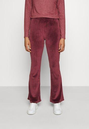 ONLTAMMY FLARED PANTS - Pantalon classique - port royale