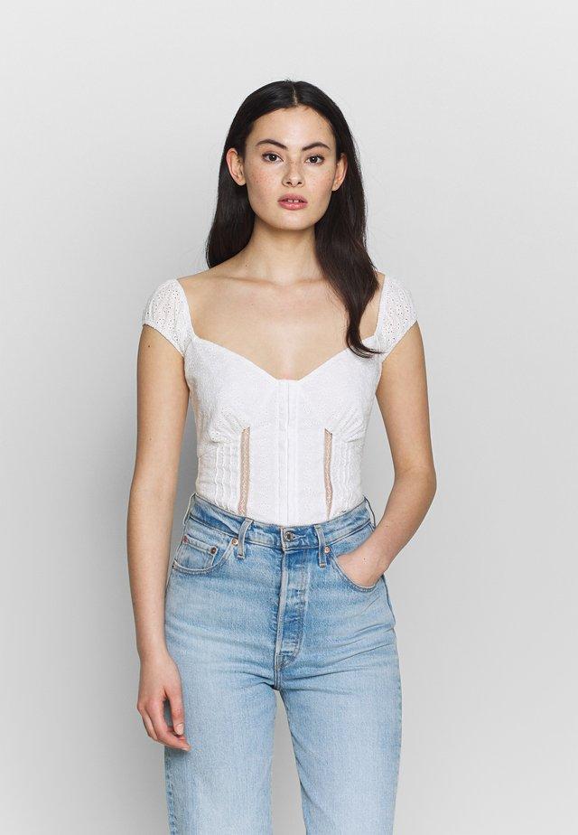MERRIE - Blusa - white