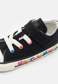 Converse - CHUCK TAYLOR ALL STAR MY STORY - Sneakers laag - black/hyper pink/egret - 5