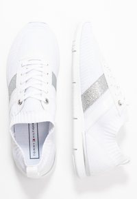 Tommy Hilfiger - FEMININE LIGHTWEIGHT  - Zapatillas - white - 3