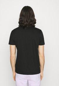 Calvin Klein Jeans - INSTITUTIONAL LOGO SLIM TEE - Print T-shirt - black - 2
