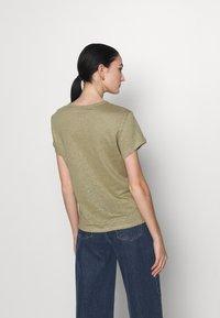 Filippa K - HAZEL TEE - Jednoduché triko - sage green - 2