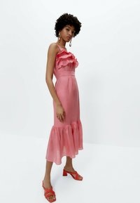 Uterqüe - MIT TUPFEN - Day dress - pink - 3