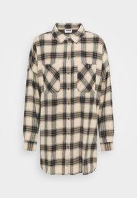 Noisy May - NMERIK WINTER OVERSIZE SHIRT - Button-down blouse - white pepper/black - 0