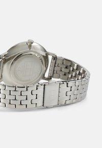 Tommy Hilfiger - DRESSED UP - Klokke - silver-coloured - 1