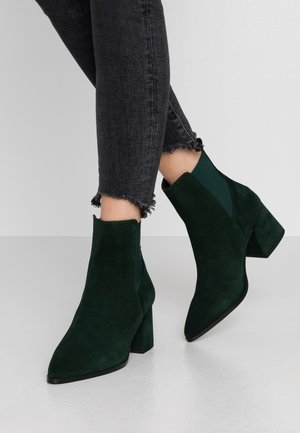 WIDE FIT VMJOY BOOT - Classic ankle boots - ponderosa pine